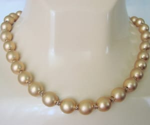 bead necklace, vintage fashion, and vintage necklace image