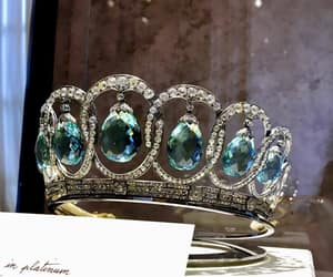 accessories, crown, and diamond image