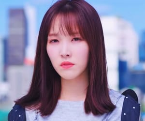 yewon, yuju, and hwang eunbi image