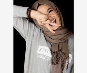hijab, islam, and بُنَاتّ image