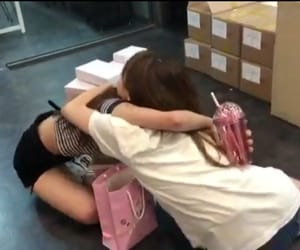 loona and chuuves image