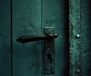 green and lock image