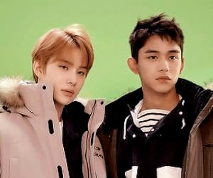 gif, jungwoo, and lucas image