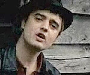 music video, pete doherty, and love you but you're green image