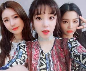 girl, idol, and soyeon image