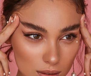 eyeliner, bronzer, and highlighter image