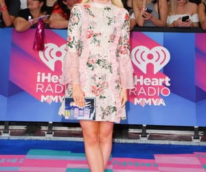 red carpet, style, and dove cameron image