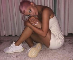 alternative, pink hair, and kylie jenner image