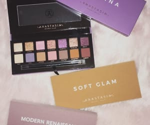 aesthetic, makeup, and palettes image