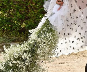 baby's breath, Couture, and elegance image