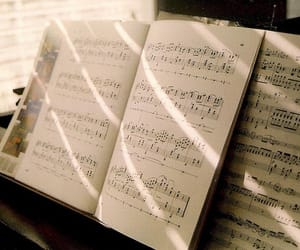 music and piano image