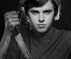 norman bates, Psycho, and freddie highmore image