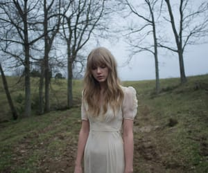 Taylor Swift, taylor, and safe and sound image