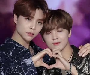 gif, johnny, and haechan image