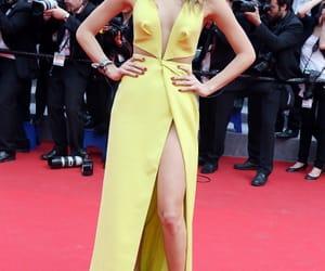 dress, Isabeli Fontana, and red carpet image