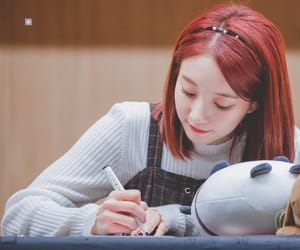 kpop, fansign, and binnie image