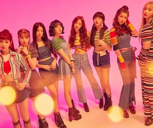 DIA, k-pop, and the unit image