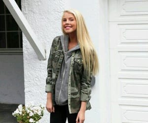 blogger, norwegian, and beauty and fashion image