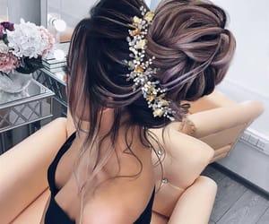 cheveux, chignon, and fleur image