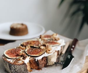 artisan, bread, and figs image