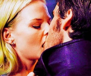 onceuponatime, killianjones, and emmaswan image