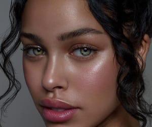 beauty, eyes, and nisrina sbia image