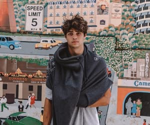 noah centineo, peter kavinsky, and actor image