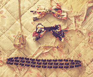 bow, vintage, and necklace image