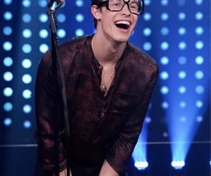 shawn mendes, glasses, and shawn image