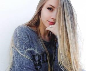 blonde, hair, and erikagraziele image