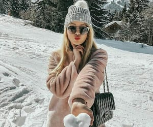 girl, winter, and outfit image