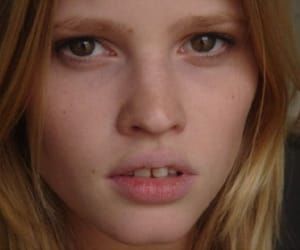 Lara Stone, eyes, and model image