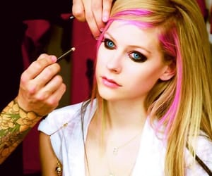 Avril Lavigne, fotos, and what the hell image