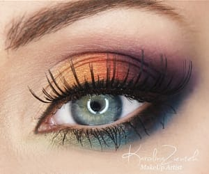 eye shadow, eyes, and green eyes image