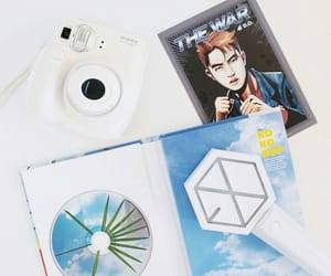 exo and the war image