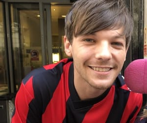 louis tomlinson, one direction, and fan image