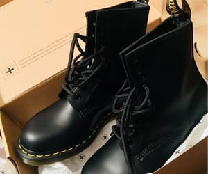 dr. martens, se, and smooth image