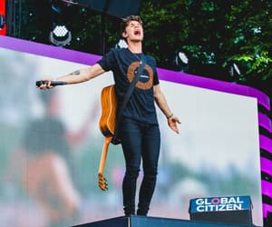 shawn mendes and performance image
