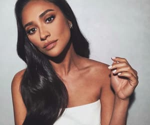 makeup, shay mitchell, and hair image