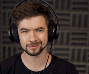 jacksepticeye, sean mcloughlin, and youtuber image