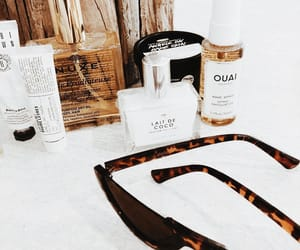 beauty, cosmetics, and sunnies image