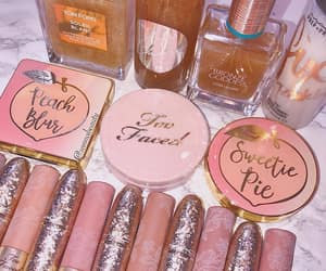 chic, girly, and glam image