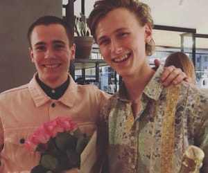 skam, evak, and flowers image