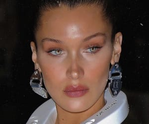 face and bella hadid image