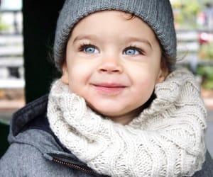 blue eyes and toddler image