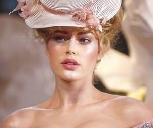 fashion, pink, and Doutzen Kroes image
