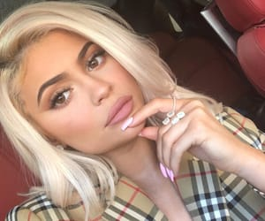 eyes, kylie jenner, and kyliecosmetics image
