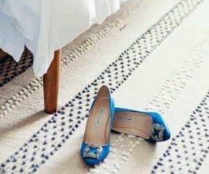 حذاء and عروس image