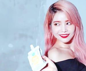 advertisement, kim yong sun, and mamamoo solar image