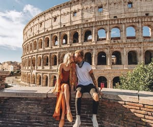 beijo, casal, and colosseum image